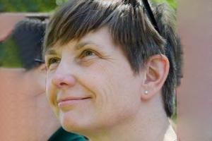 Denise Hirl (Minnetonka, MN)